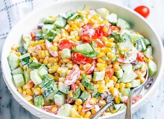 καλοκαιρινή διατροφή δροσερή σαλάτα καλαμποκιού
